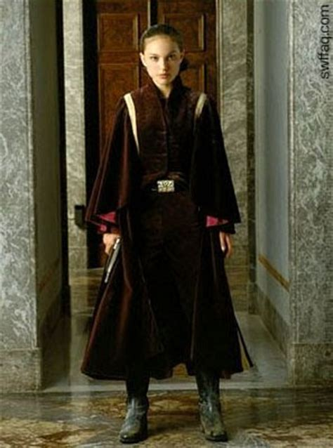 """Costumes and Artwork: Another """"The Phantom Menace"""" Battle"""