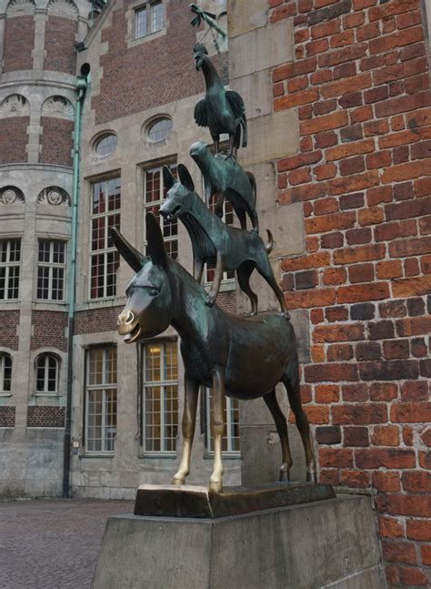 The Town Musicians of Bremen - visit to the Orginal in Bremen