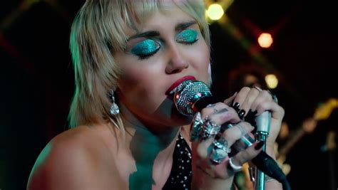 """Watch Miley Cyrus Perform """"Midnight Sky"""" and Cover"""