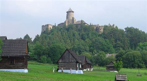 File:Castle of Lubovna and museum of slovak village