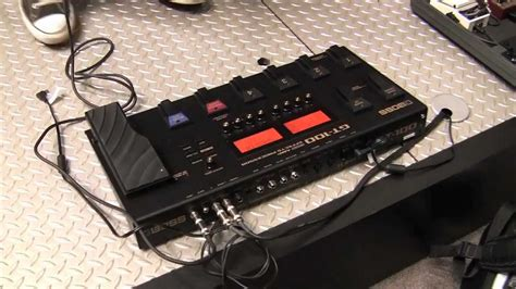Sweetwater at NAMM 2012 - BOSS GT-100 Demo - YouTube
