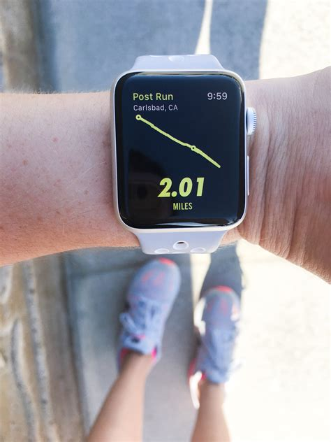 Apple Watch or Fitbit Charge 2 For Running?   POPSUGAR Fitness