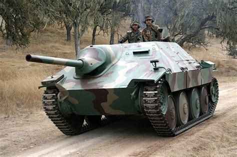 Can you give any examples of German tanks with crew given